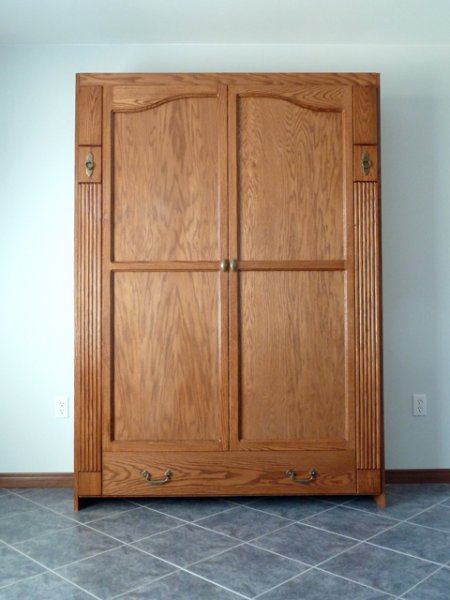 04_08_11_armoire_style_wall_bed_01